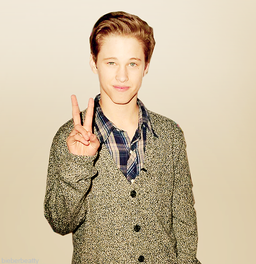 Ryan beatty bilder